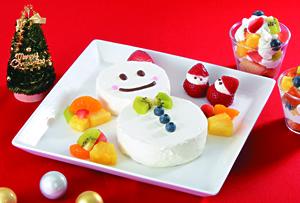 雪だるまケーキとフルーツトライフル
